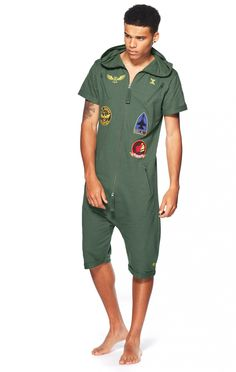 super nice short Jumpsuit, perfect for some summer chill time;