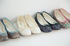 minä perhonen × repetto Flowy Shirts, Peter Pan Collars, Sock Shoes, Collar Shirts, Frocks, Ballet Flats, Combat Boots, Flare, Kimono