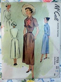 RARE Vintage anni ' 40 McCall 7753 abito modello sz 17 inutilizzato di raggspatternstash su Etsy https://www.etsy.com/it/listing/162046231/rare-vintage-anni-40-mccall-7753-abito