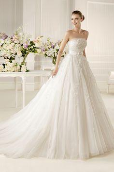 2013 Wedding Dresses A Line Strapless Chapel Train Tulle USD 241.99 EPPTPK7G5E - ElleProm.com