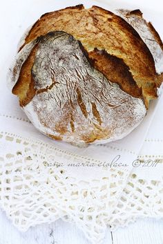 No-knead bread / Pâine nefrământată Bread Bun, Pan Bread, Bread Rolls, Bread Baking, Bread Food, Croissants, Café Chocolate, Pumpkin Scones, Rustic Bread