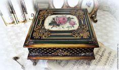 . Mason Jar Crafts, Mason Jar Diy, Jewellery Boxes, Jewellery Storage, Cigar Box Crafts, Stencil, Decoupage Box, Altered Boxes, Antique Boxes