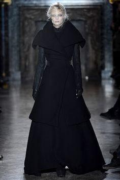 [ Moda de Subculturas ]: Gareth Pugh: Inverno numa Floresta Sombria