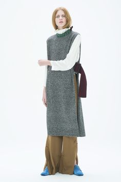 画像: 19/33【TOGA PULLA】 Toga Pulla, Fashion Silhouette, Vest Outfits, Knit Vest, Fashion Images, Easy Wear, Wool Scarf, Sweater Fashion, Textiles