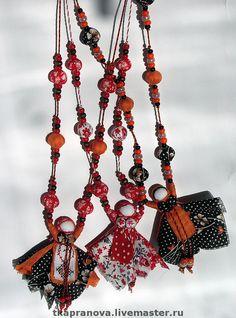 """Купить Декоративные бусы с """"вепсской"""" куколкой - украшения ручной работы, бусы, народные куклы"""