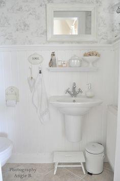 an all white bathroom - how pretty!