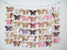 Butterfly decorative DIY craft - would be adorable in a little girl's room. Fun Crafts, Diy And Crafts, Crafts For Kids, Arts And Crafts, Butterfly Mobile, Butterfly Crafts, Butterfly Art, Diy Projects To Try, Craft Projects