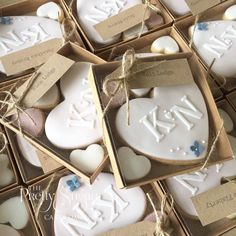 Wedding favours personalised heart cookies wedding favors свадебный торт, с Biscuit Wedding Favours, Cookie Wedding Favors, Creative Wedding Favors, Inexpensive Wedding Favors, Elegant Wedding Favors, Edible Wedding Favors, Cookie Favors, Personalized Wedding Favors, Wedding Favors For Guests
