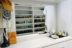 Dresser vanity