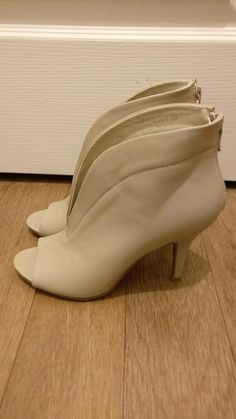 Bottines beiges neuves - taille 38