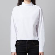 High Neck Zip-Up Back Blouse (BVVS) - Channel spring's vibrant charm and wear this light, boxy blouse. Black Culottes Outfit Casual, Casual Outfits, Cute Outfits, Fashion Outfits, Junior Fashion, Bauhaus, Korean Fashion, Zip Ups, Vibrant