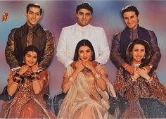 Old Bollywood Movies, Bollywood Actors, Bollywood Celebrities, Hum Saath Saath Hain, Love Drawings Couple, Bollywood Makeup, Indian Aesthetic, Alesha Dixon, Karisma Kapoor