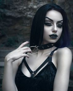 "9,537 curtidas, 151 comentários - Darya Goncharova (@darya_goncharova_) no Instagram: "". Hexellent Choker & Adora Velvet Crush Dress: @killstarco ❤ - for 10%off use code: Darya-S1…"""