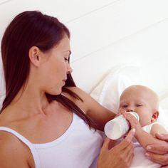 Bonding With Baby While Bottle-Feeding