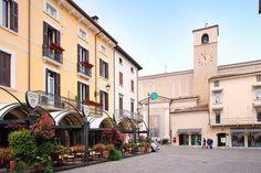 Apartments The Flowers – Desenzano del Garda for information: Gardalake.com