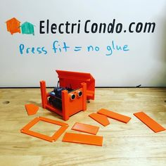Something we loved from Instagram! No glue necessary for these modular cases - just press them in place. #arduino #arduinouno #arduinos #diyelectronics #iot #electronics #makers #raspberryPI #raspberrypi2 #stemeducation #xbee by electricondo Check us out http://bit.ly/1KyLetq