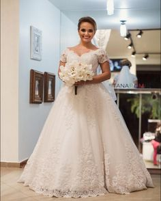 Designer Wedding Dresses 2017 Trends Custom Made Plus Size Lace Wedding Dress 2017 Elegant V Neck Short Sleeve Applique A Line Wedding Gowns Vintage Vestido De Noiva Wedding Weddingdresses