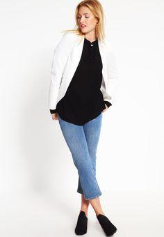 ¡Cómpralo ya!. Kaffe TIPPY AMBER  Blusa black deep. Kaffe TIPPY AMBER  Blusa black deep Ofertas   | Material exterior: 100% viscosa | Ofertas ¡Haz tu pedido   y disfruta de gastos de enví-o gratuitos! , blusas, blusa, blusón, blusones, blouses, blouse, smock, blouson, peasanttop, blusen, blusas, chemisiers, bluse. Blusas  de mujer color negro de Kaffe.