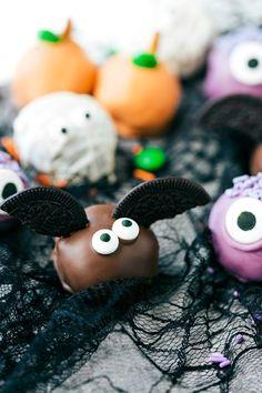5-Ingredient Halloween Oreo Truffles Halloween Snacks, Comida De Halloween Ideas, Halloween Oreos, Halloween Crafts, Halloween Baking, Halloween Party, Halloween Buffet, Halloween Zombie, Halloween Inspo