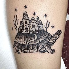 Turtle tattoo. Susanne König Tattooer at Salon Serpent, Amsterdam