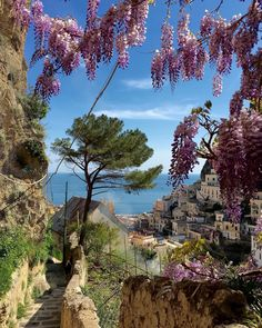 Beautiful Places In The World, Big And Beautiful, Beautiful Things, Cool Places To Visit, Places To Go, Best Of Italy, Regions Of Italy, Outdoor Photos, Travel Around The World