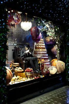 Johnnie Walker   Christmas 2012 at Selfridges   Production by Millington Associates   #christmas #windowdisplay