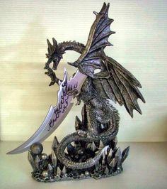 Dragon Knife Dagger Large Figurine Statue Gothic Black DWK http://www.amazon.com/dp/B009IRWXCE/ref=cm_sw_r_pi_dp_vyu8ub1SCZD32