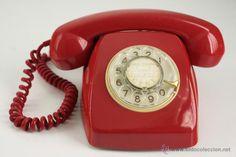 Vintage Phones, Vintage Telephone, Best Christmas Books, Talking Alarm Clock, Pop Up Princess, Weird Vintage, Pop Art Girl, Camper Makeover, Retro Pop