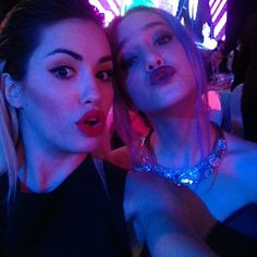 lali con ange en los martin fierro 2014 Angela Torres, Mariano Martinez, Tumblr, Celebrities, People, Disney, Outfits, Actresses, August 13