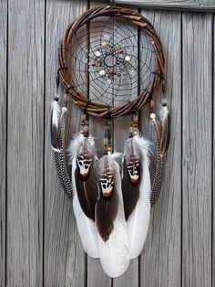 Dreamcatcher-Country Style-American Indian-Native American-Amulet-Shaman-Dreamcatcher Authentic-Wall hanging-Wall Decor - Hoop diameter cm length without loop 55 cm The big dream catcher is made on a willow dog. Grand Dream Catcher, Big Dream Catchers, Beautiful Dream Catchers, Dream Catcher Art, Dream Catcher Mobile, Large Dream Catcher, Los Dreamcatchers, Boho Dreamcatcher, Diy Dream Catcher Tutorial