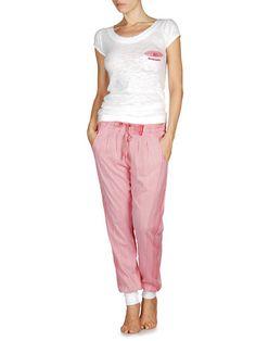 Sleepwear or Pajamas (enough for 10 days)