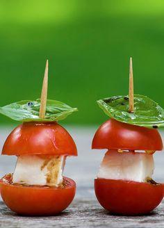 Tomates cherry con queso, deliciosos aparte de lucir lindos.