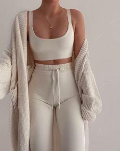 Lazy Outfits, Cute Comfy Outfits, Mode Outfits, Everyday Outfits, Stylish Outfits, School Outfits, Winter Fashion Outfits, Look Fashion, 80s Fashion