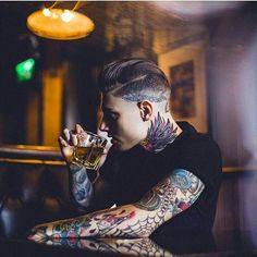 Menswear | Tattooed man | Whiskey | Drinking | Stylish