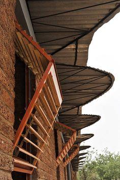 """Dano school"" by Francis Kéré. Burkina Faso - Alaya Home Architecture Durable, Tropical Architecture, Vernacular Architecture, Sustainable Architecture, Architecture Details, Interior Architecture, Francis Kere, Sustainable Schools, Circular Buildings"