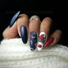 Newest Christmas Nail Art Ideas For 2019 - Page 9 of 10 - Vida Joven - Xmas Nails - Cute Christmas Nails, Christmas Nail Art Designs, Holiday Nail Art, Xmas Nails, Winter Nail Designs, Winter Nail Art, Halloween Nail Art, Winter Nails, Christmas Ideas