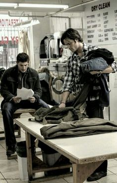 #SPN I'm sitting in a laundromat, reading about myself sitting in a laundromat. My head hurts.