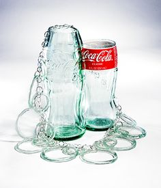 Jewelry made from Coke bottles.great look, great upcycling. Recycled Glass Bottles, Glass Bottle Crafts, Bottle Art, Bottle Jewelry, Glass Jewelry, Jewelry Art, Coca Cola, Pepsi, Smart Glass