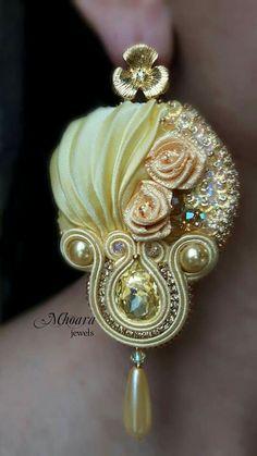 ' Sunshine ' shibori silk earrings designed by Mhoara Jewels Ribbon Jewelry, Soutache Jewelry, Fabric Jewelry, Diy Jewelry, Beaded Jewelry, Jewelery, Handmade Jewelry, Jewelry Making, Shibori Fabric