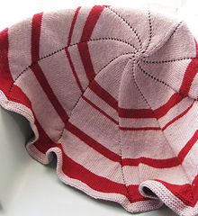 Ravelry: Round or Pinwheel Baby Blanket pattern by Genia Planck Knitted Afghans, Knitted Baby Blankets, Baby Afghans, Round Loom Knitting, Knitting For Kids, Baby Knitting, Afghan Patterns, Knitting Patterns, Crochet Patterns