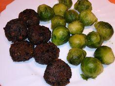 Gombás vegán fasírt Falafel, Sprouts, Vegetables, Food, Essen, Vegetable Recipes, Falafels, Meals, Yemek