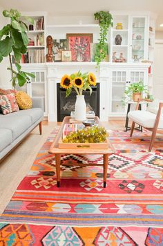 Retro Living Room Decorating Ideas on A Budget Arresting Retro Wohnzimmer Dekorieren Ideen auf ein Budget home livingroomdecor Retro Living Rooms, Colourful Living Room, Home Living Room, Living Room Furniture, Living Room Designs, Living Room Warm Colors, Colourful Home, Colorful Interiors, Living Room Decor Eclectic