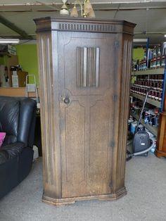 Hall cupboard, measurements are H-186cm W-96cm D-42cm ------------------ £80 (pc771)