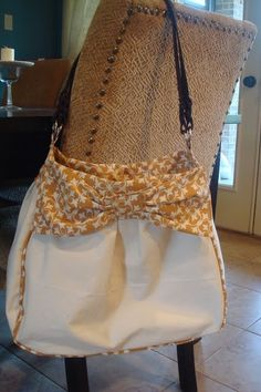Purse with a bow