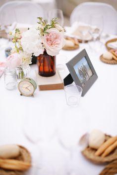 vintage centerpiece, love the mint clock! http://weddingwonderland.it/2015/06/matrimonio-ispirato-al-tandem.html