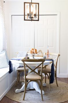 Styling a breakfast nook - tips for decorating a regularly used space