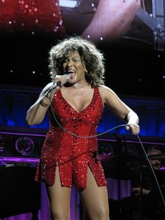 During her final tour in Tina proved to the audience that she could still pull it off at age Tina Turner, Rainha Do Rock, Rock Queen, Rock And Roll Bands, Digital Art Girl, Star Pictures, Bob Mackie, Stage Outfits, Outfit Combinations