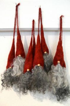 40 Adorable DIY Christmas Craft Ideas Simple and stunning christmas DIY decorations that you can make ceppo christmas Beautiful Christmas Decorations, Christmas Love, Diy Christmas Gifts, Christmas Shirts, All Things Christmas, Christmas Ornaments, Sheep Crafts, Felt Crafts, Christmas Craft Projects