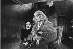 Grey Gardens. Little Edie & Big Edie.