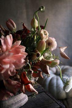 Floral Arrangement by Little Flower School: #fall #flowers #centerpiece